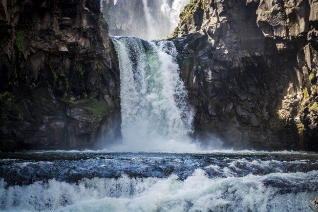 cascade-daylight-environment-213950.jpg
